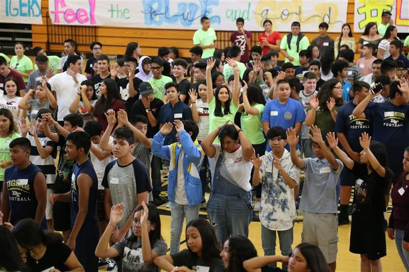 Nearly 300 Freshmen Attend Orientation