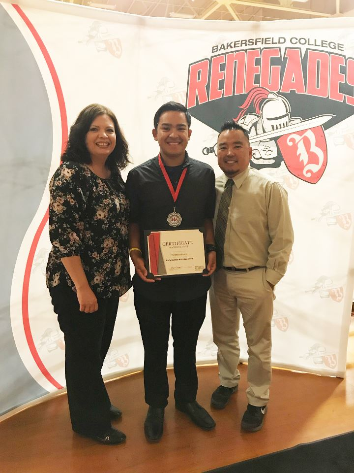 Mariano Balbueana honored with Early College Initiative Award